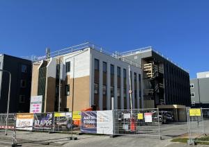 Kantoorgebouw-Galilei-in-Zwolle-tijdens-renovatie