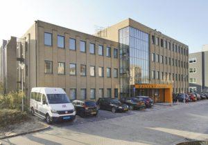 Kantoorgebouw-Galilei-in-Zwolle-voor-renovatie